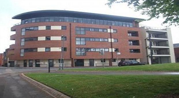 Comfort zone apartment hotel birmingham compare the for Appart hotel birmingham